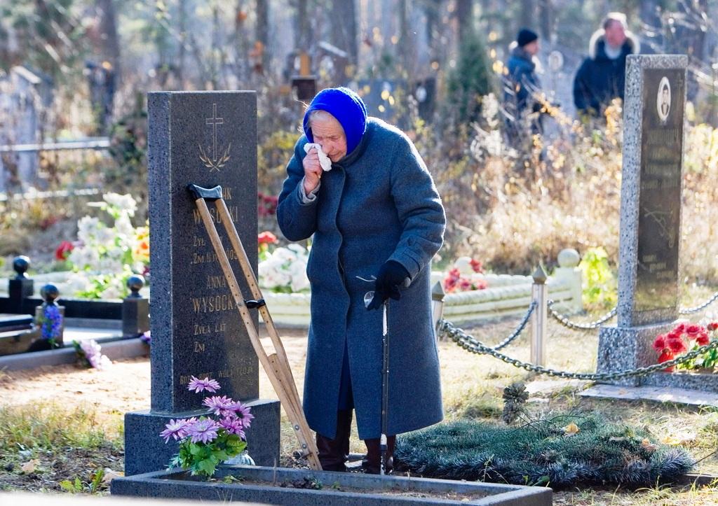 Приметы почему нельзя беременным на похороны ходить 8